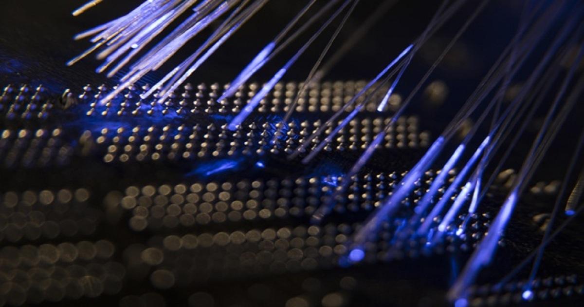 Verizon moves 800 Gbps of data on a single wavelength